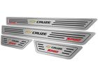 Soleira para Chevrolet Cruze Turbo 2017 em Aço Inox - Baixo Relevo Preto